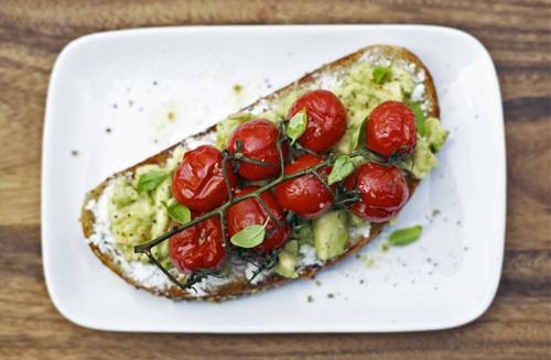 ♥Sandwiches, Summer Food, Roasted Tomatoes, Vines, Vegetarian Lunches, Cherries Tomatoes, Avocado Toast, Goats Cheese, Goat Cheese