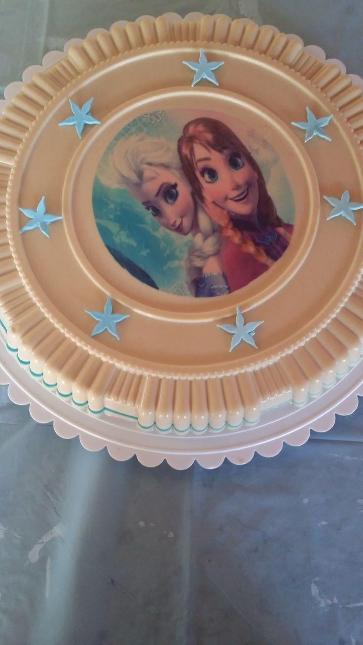 Jello cake.  Frozen theme.  Pastel de gelatina con tema de Frozen.  Gelatina de galletas Marias.