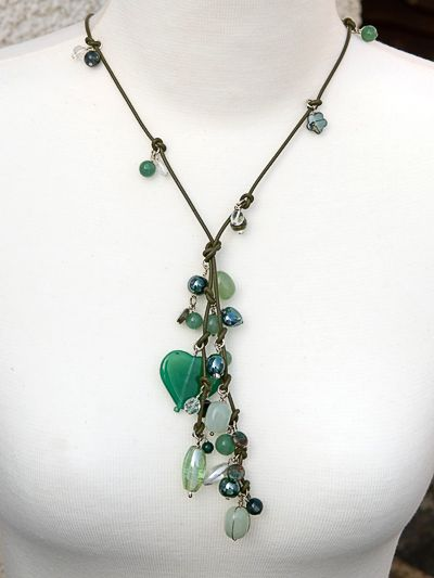 Google Image Result for http://handmadenecklaces.co.uk/necklace-shop/images/D20_9364.JPG