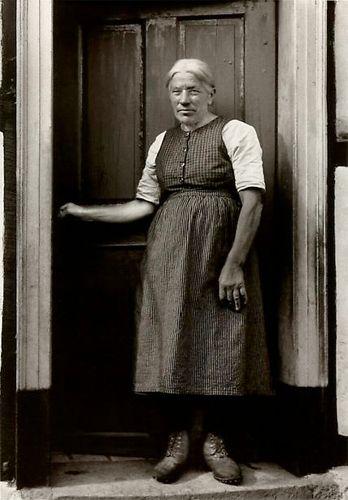 Retrato de uma mulher trabalhadora.