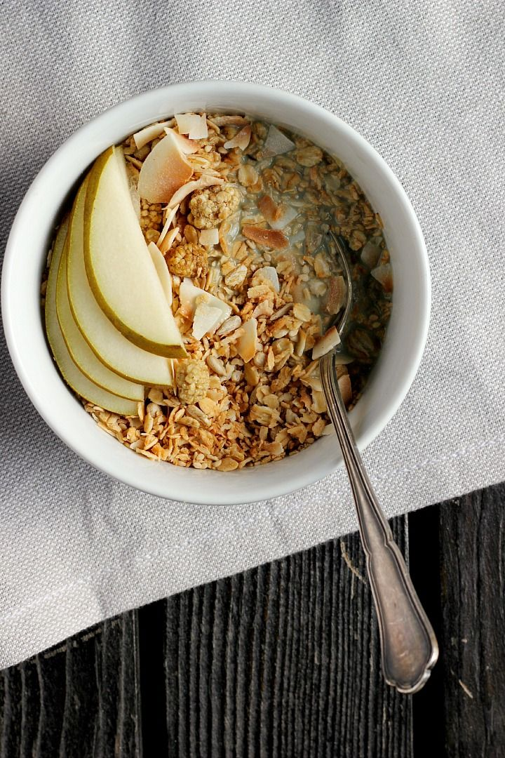 Coconut Cardamom Granola + Creamy Vanilla Pumpkin Seed Milk | happy hearted kitchen #vegan
