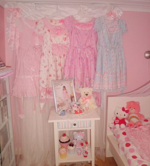 sweet lolita dress wardrobe