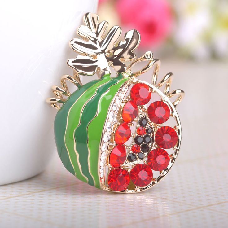 Fashion Red Enamel Watermelon Brooches Crystal Red Beads Broches Mujer Sweet Fruit Jewelry Corsages For Women Party Wedding Gift