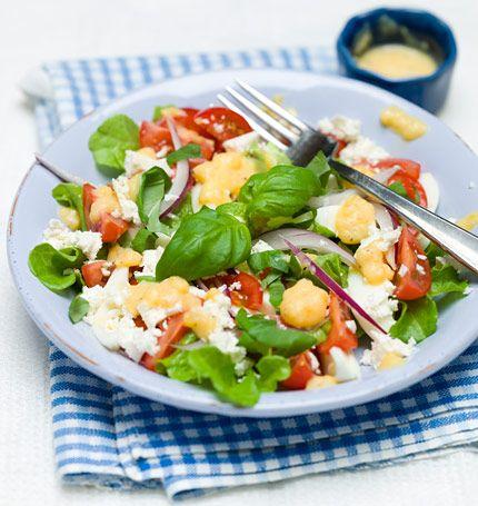 Tomat- och äggsallad med feta och basilika   MåBra - Nyttiga recept