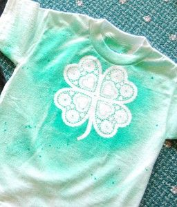easy shamrock t shirt paper doilies fabric spray paint. Black Bedroom Furniture Sets. Home Design Ideas