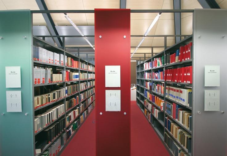 Bibliotheksregale von Forster