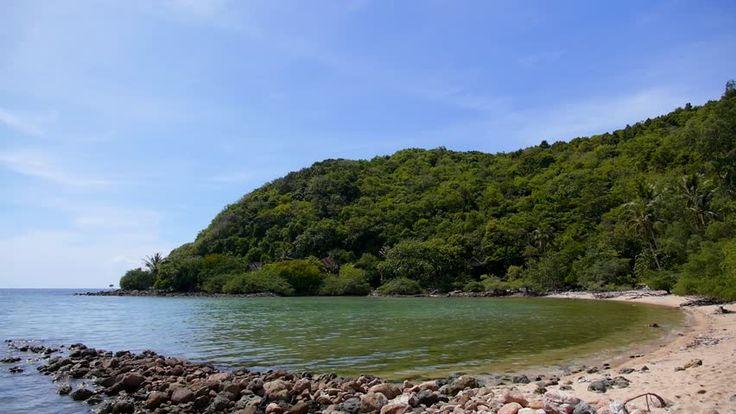 On commence la semaine par une petite excursion à #NosyMangabe ? #Madagascar #voyage