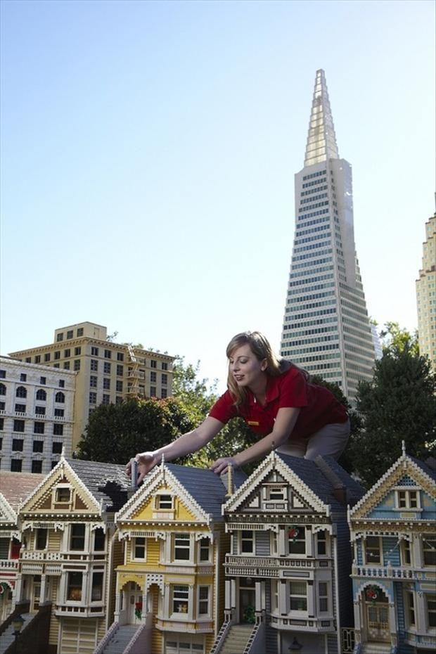 LEGO Builder building San Francisco houses in LEGO Land