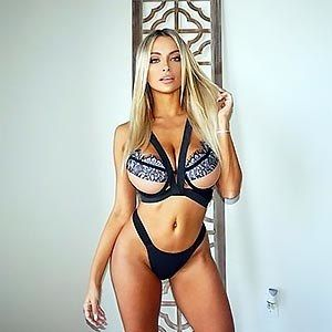 Unbelievable model Lindsey Pelas poses and demonstrates her glorious tits