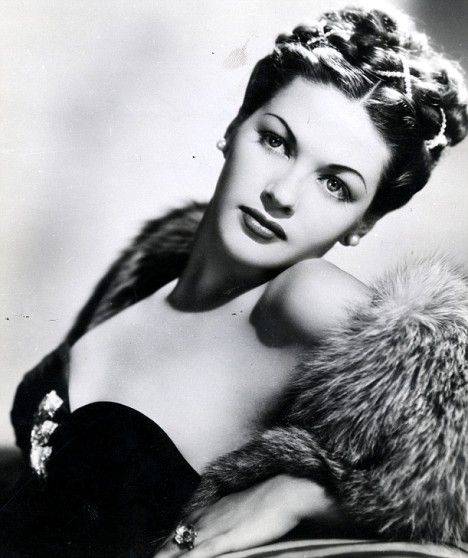 Yvonne De Carlo #hollywood #classic #actresses #movies