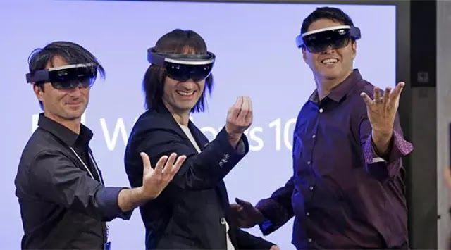 Kemampuannya digadang-gadang sebagai persilangan antara kemampuan Google Glass dan headset virtual reality Oculus Rift.  Teknologi Virtual Reality (VR) dan Augmented Reality (AR) disebut-sebut sebagai teknologi masa depan. Padahal VR dan AR bukan lah teknologi baru. Keduanya kembali menyita perhatian setelah diperkenalkan kembali pada 2009. Meski adopsinya lambat riset terbaru GfK justru menyebutkan adanya pertumbuhan teknologi VR dan AR di sejumlah wilayah di Asia Tenggara. GfK mencatat…