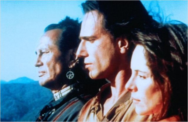 O Último dos Moicanos : Foto Daniel Day-Lewis, Madeleine Stowe, Russell Means
