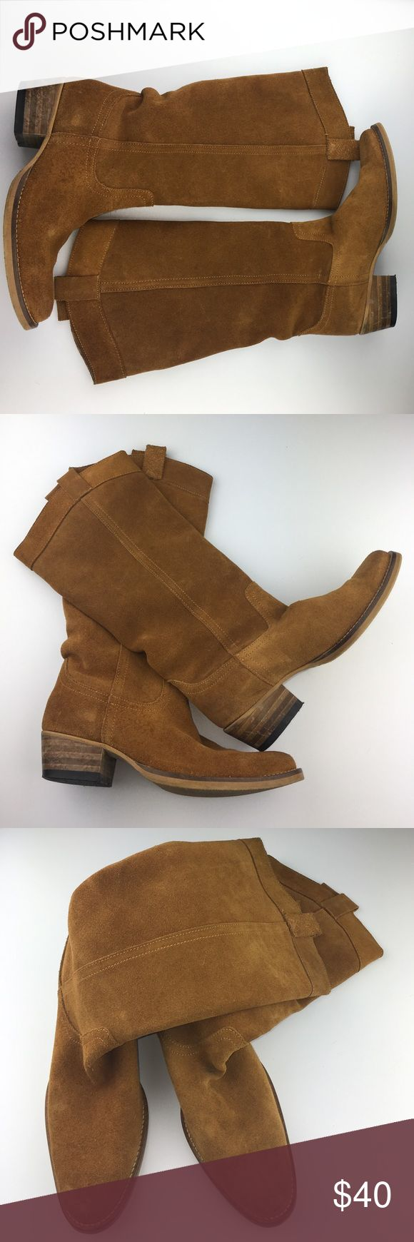 "Tan suede size 39 boots Tan suede size 39 boots. European size 9 but more of an 8. Very soft and comfy. Made in Portugal . Brand, ""Sommerkind"". Soles are rubber. Stitching on boot are tan. Stitching around sole is beige. Heel is 1 & 1/2"" sommerkind Shoes Heeled Boots"