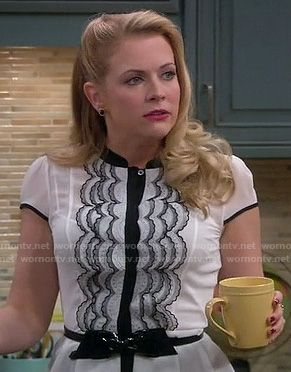 Melissa's white and black scalloped lace top with patent bow belt on Melissa and Joey.  Outfit details: http://wornontv.net/17142/