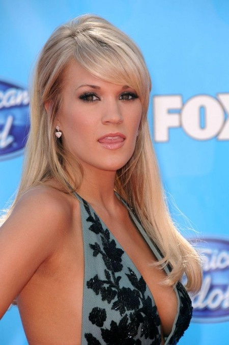 Carrie Underwood- Does the woman even make an ugly facial expression?I think not!
