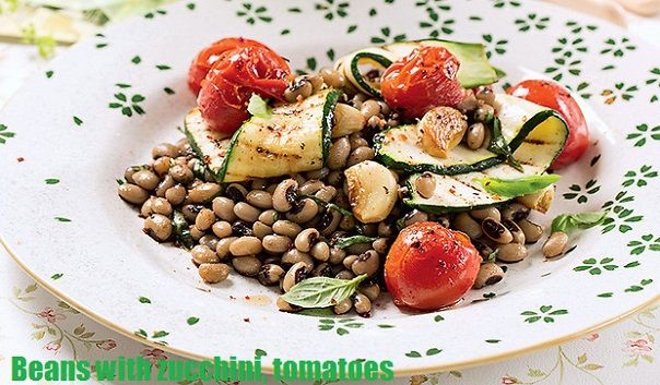 Beans with zucchini, cherry tomatoes