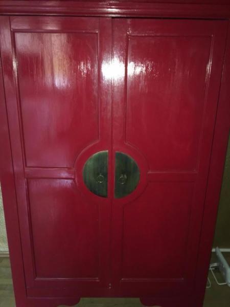 Ideal Wir haben den Schrank nochmal mit Lackfarbe gestrichen um den Look authentischer hin zu bekommen Ma e H ca ca ca