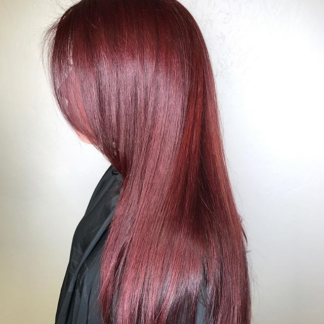 Perfect #redhead ❤️️#studiorksalon #redken #redkenobsessed #saloncentric #longhair #hair #haircut  #redhair #color #behindthechair #modernsalon #love #fortmyers #naples #stylist #swflstylist