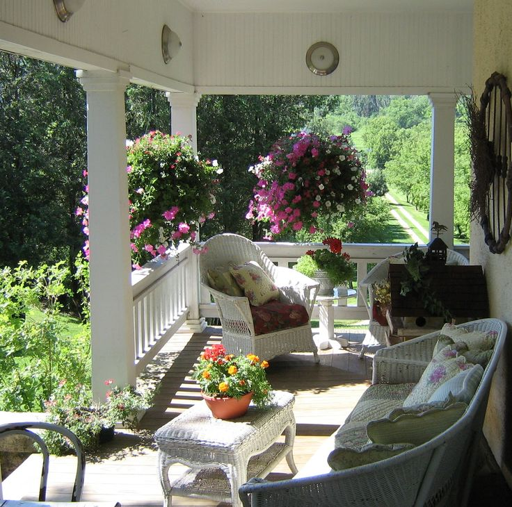 Little putty little paint blog Your porch and hanging baskets are just beautiful!