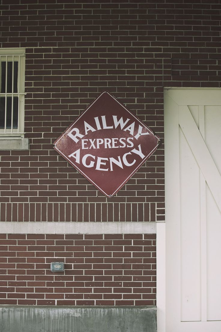 Old Train Station/Raleway Sign | Photo By: AnthonyAwaken.com