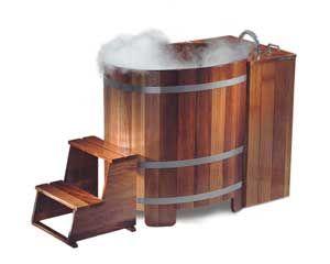 Kleiner Whirlpool in der Tradition eines japanischen Kusatsu-Pools (Sitzbadewanne). Besonders intensive Unterwassermassage durch großzügige Wassertiefe von bis zu 82 cm (auf Wunsch auch noch mehr)