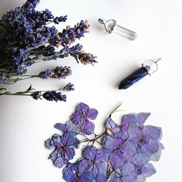 #christal #mineral #flowers #lavander #white #Saturday #MIK @zenzero.hu