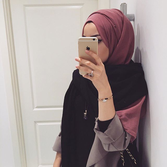 Hijab from @aaliyacollections, their scarves are so soft and high quality, I honestly recommend