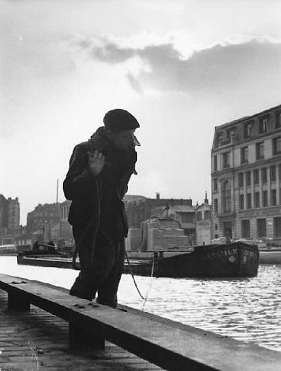 Canal Saint Martin, Paris, ca. 1950. Photo Izis Bidermanas