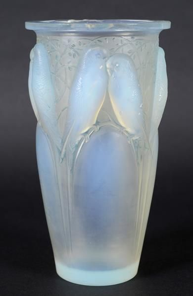 Budgerigar pattern - we used to have a Lalique bowl with this pattern which Mum & Dad were given as a wedding present in 1935.  It lasted many a move, finally succumbing to a houseboy in Lusaka.  I wish we'd kept all the pieces !  PDL 2016