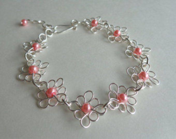 Flores pulsera, pulsera de filigrana, alambre envuelta pulsera, hechos a mano por Iris joyas creaciones.