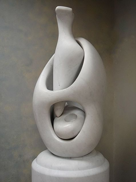 'Mother and Child: Egg Form' – Henry Moore 1977