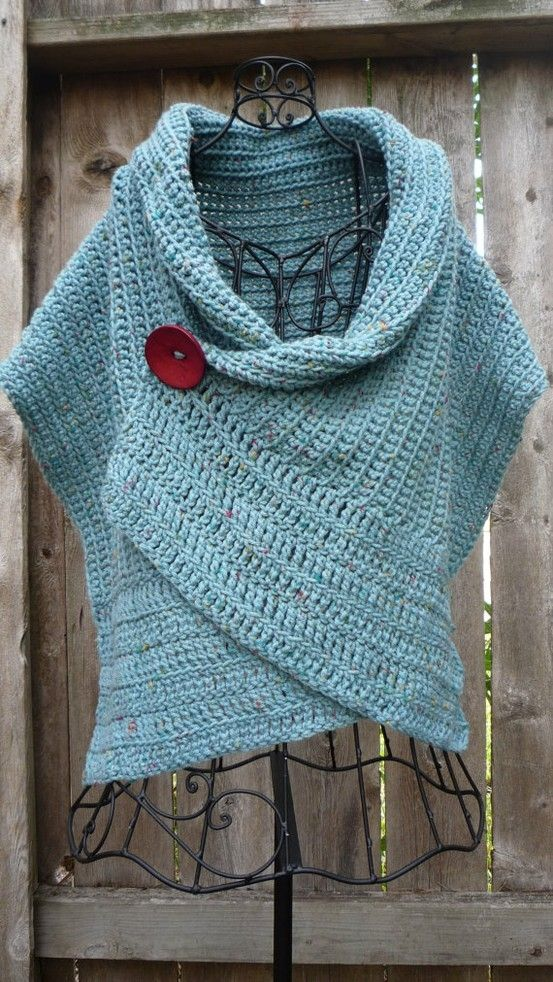 Really like the way this looks--it's different, with the unusual shaping and the big button. --Pia (crochet poncho)
