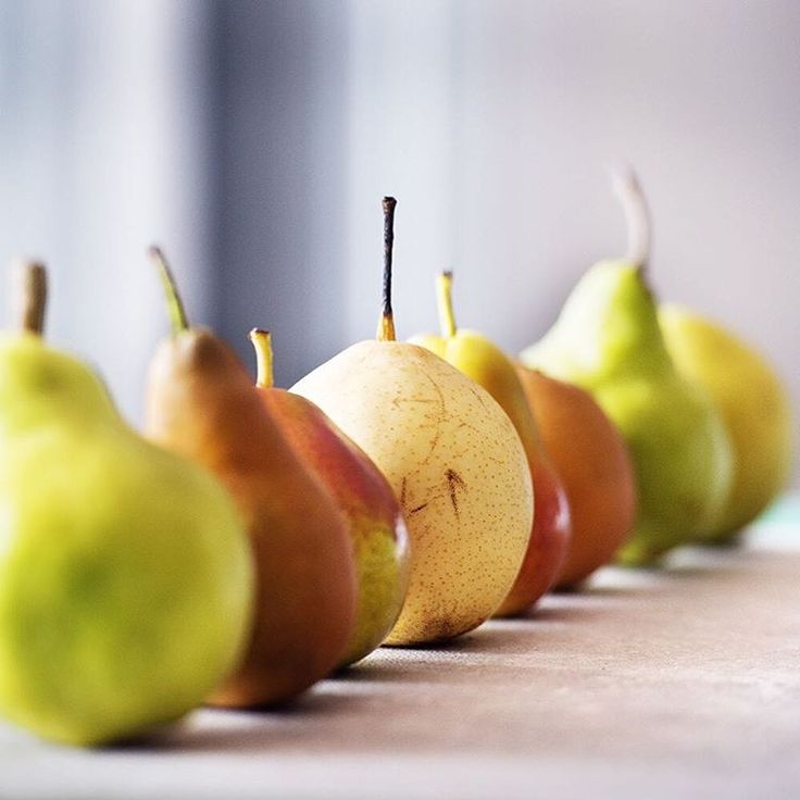 APRIL 2016 – Organic pears are in season – Williams, Packhams, Beurre Bosc, Red Sensations, Nashi... Take your pick from the many fabulous varieties available now