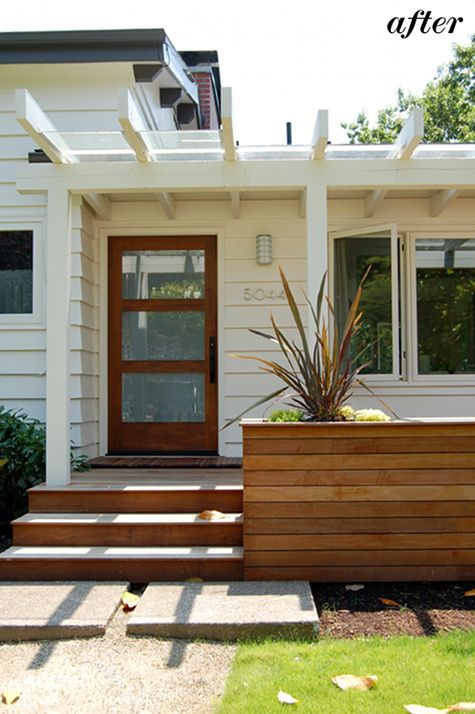 love the wood #planter  front #deck and #trellis by Yianni Doulis #home #entry #outdoors