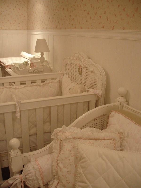 O estilo provençal transforma quarto de pequena em cenário de princesa.