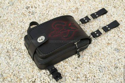 """Мужские сумки ручной работы. Ярмарка Мастеров - ручная работа. Купить Набедренная сумка """"Mythosaur red"""". Handmade. Черный"""