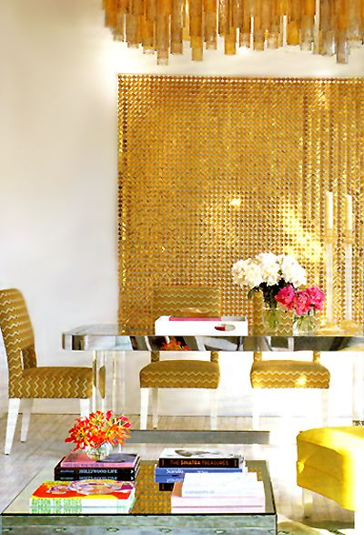 sparkle: Dining Rooms, House Design, Design Interiors, Living Room, Interiors Design, Gold Wall, Home Decor, Modern House, Design Home