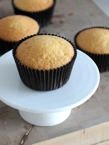 Cupcakes versieren met je eigen frosting | Cupcakerecepten.nl