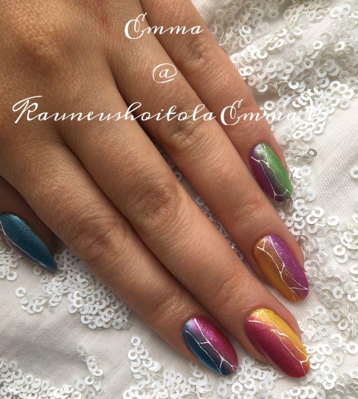 Acrylic nails with pigment