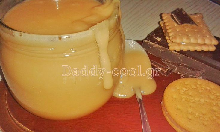 ΣΑΛΤΣΑ ΚΑΡΑΜΕΛΑΣ Υλικά: Για 6 φλιτζάνια 4 φλιτζάνια ζάχαρη 1 φλιτζάνι νερό ¼ φλιτζανιού σιρόπι γλυκόζης ή καλαμποκιού (και τα δύο θα τα βρείτε σε όλα τα μεγάλα σούπερ μάρκετ και παντοπωλεία) 170 γρ. αγελαδινό βούτυρο, σε θερμοκρασία δωματίου, κομμένο σε μικρά κομμάτια 2 φλιτζάνια κρέμα γάλακτος 35% λιπαρά Εκτέλεση: Σε μια μέτρια κατσαρόλα βάζω …