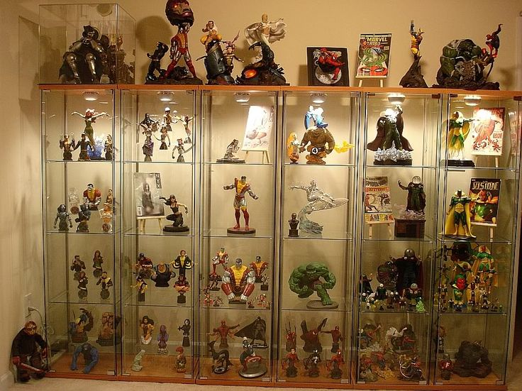 Marvel statues statue display cases pinterest cases for Hot toys display case ikea
