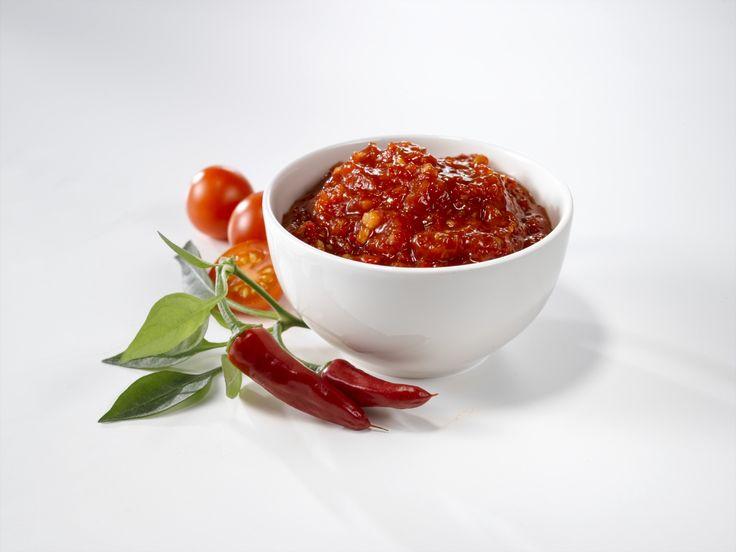 Pikantti Paholaisen hillo, jolla kruunaat kesän grilliruoat. Klikkaa resepti täältä ja tee hyvää: http://www.dansukker.fi/fi/resepteja/paholaisen-hillo.aspx