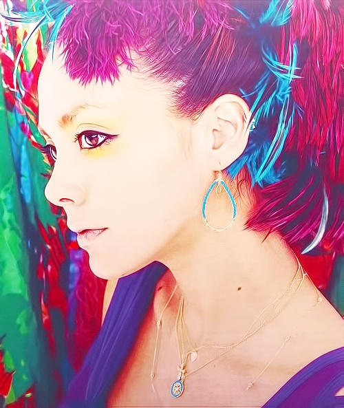 Anna Tsuchiya   red purple sky blue