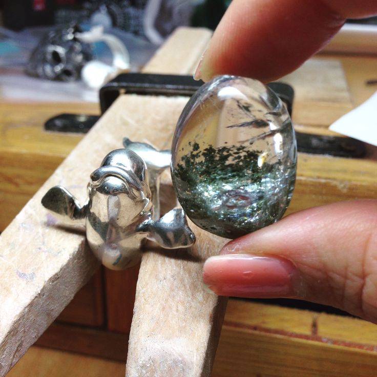 moss agate with waxcarving, Beluga #dolpine #animal #rescue #beluga #jewelry #art #mood #waxcarving #andloro