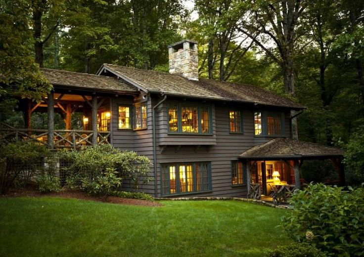 58 best images about craftsman cottage on pinterest for Craftsman lake house