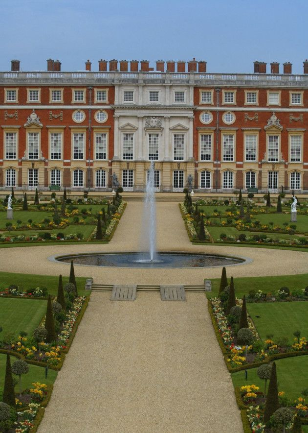 Hampton Court Palace's grand garden was laid out in Baroque style. Credit: News Team International