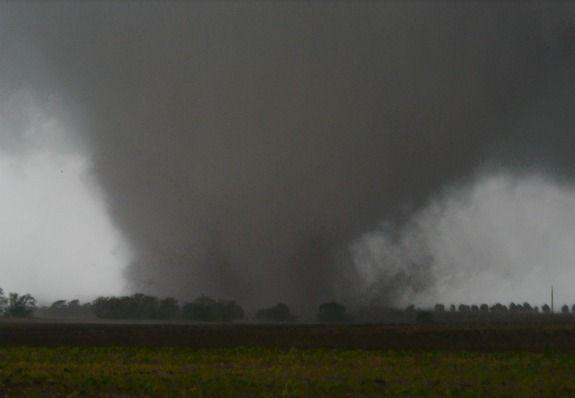Google Image Result for http://i.livescience.com/images/i/000/026/078/i02/tornado-forney-texas-120404-02.jpg%3F1333577233