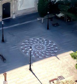 Mosaicos geométricos en la Plaza de la Iglesia de Olvera(Cádiz). | Matemolivares