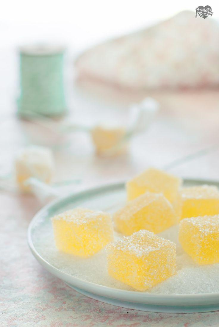 Caramelle gelee fatte in casa con succo di arancia e limone