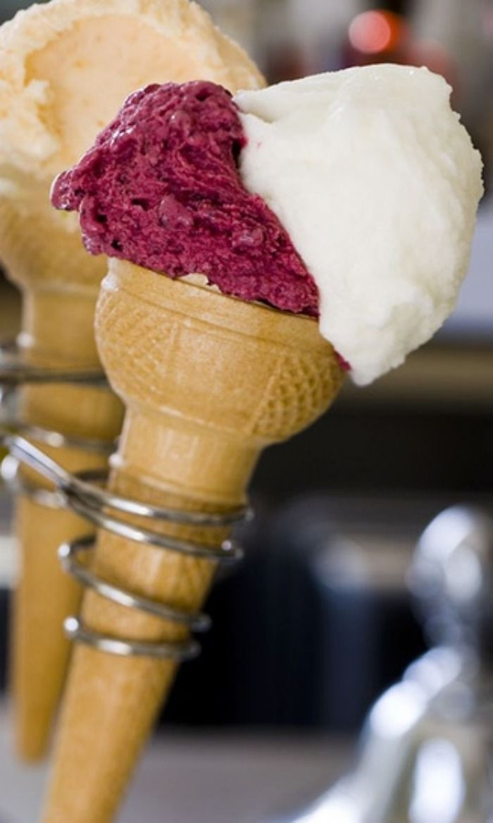 Italy - Apulia Fruit flavoured ice creams at Arte Fredda ice cream shop in Alberobello www.apuliadestination.com